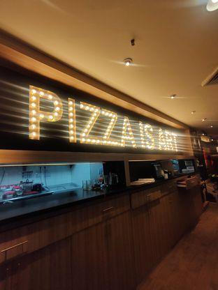 Foto 5 - Interior di Pizza Hut oleh Keinanda Alam