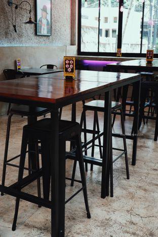Foto 7 - Interior di Dope Burger & Co. oleh Indra Mulia