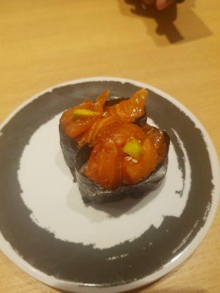 Foto 5 - Makanan(Poke gunkan) di Genki Sushi oleh Fika Sutanto