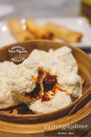 Foto 4 - Makanan(Cha Siew Pau) di Lamian Palace oleh Irene Stefannie @_irenefanderland