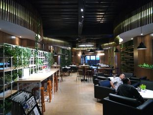 Foto 5 - Interior di One Ninety Coffee Culture oleh Chris Chan