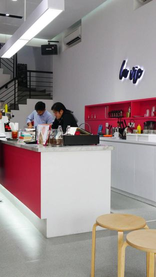 Foto 20 - Interior di La Vie Kitchen and Coffee oleh Olivia @foodsid