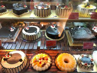 Holland Bakery Sunter Lengkap Menu Terbaru Jam Buka