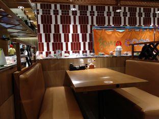 Foto 7 - Interior di Tom Sushi oleh abigail lin