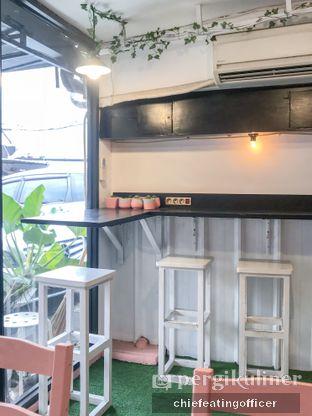 Foto 3 - Interior di Mimo Cooks & Coffee oleh feedthecat