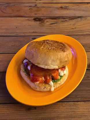 Foto 4 - Makanan di LuckyBee Bread & Grill oleh yudistira ishak abrar