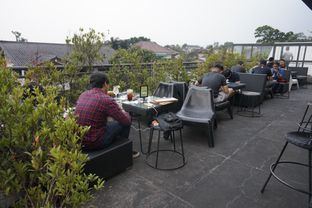 Foto 13 - Interior di Level 03 Rooftop & Grill by Two Stories oleh yudistira ishak abrar