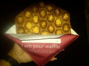 Foto 2 - Makanan(Vanilla Waffle With Cheese (IDR 23,5k)) di Eggo Waffle oleh Renodaneswara @caesarinodswr