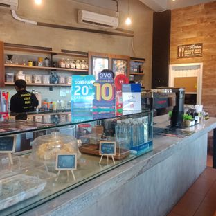 Foto 3 - Interior(Lantai bawah) di Papercup Coffee oleh Fensi Safan