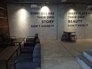 Foto 4 - Interior di Beranda Depok Cafe & Resto oleh Namira
