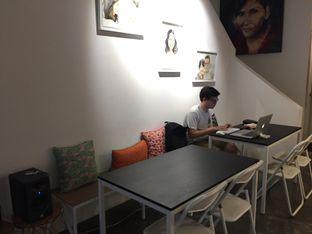 Foto 7 - Interior di Numo Art & Coffee oleh Marsha Sehan
