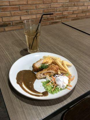 Foto review Beranda Depok Cafe & Resto oleh Prido ZH 9