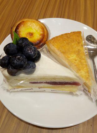 Foto 2 - Makanan(Mixberry Rare Cheese Cake) di Chateraise oleh maysfood journal.blogspot.com Maygreen
