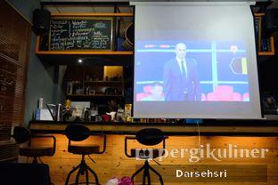 Foto 9 - Interior di Pikot Coffee & Resto oleh Darsehsri Handayani