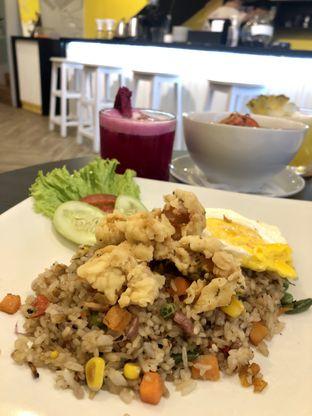Foto 5 - Makanan di Alooen Alooen Cafe and Coffee oleh kdsct