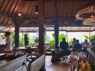 Foto Interior di Warung Taru (Rumah Kayu)