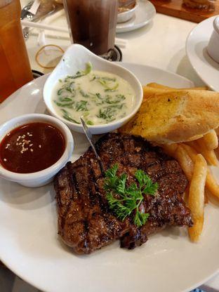 Foto 3 - Makanan di B'Steak Grill & Pancake oleh winni e