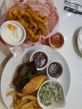 Foto - Makanan di B'Steak Grill & Pancake oleh djoko marwie