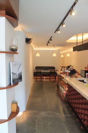 Foto 5 - Interior di Routine Coffee & Eatery oleh Prido ZH