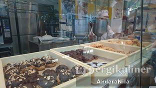 Foto 4 - Interior di Beard Papa's oleh AndaraNila