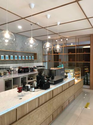 Foto 3 - Interior di Dailydose Coffee & Eatery oleh yudistira ishak abrar