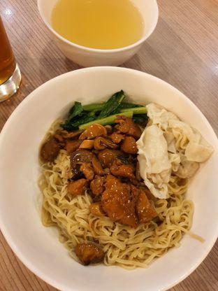 Foto 2 - Makanan di Bakmi GM oleh Amrinayu