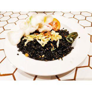 Foto 2 - Makanan(Nasi Goreng Ireng Cumi Pedas) di Barby's Bakery & Cafe oleh melisa_10