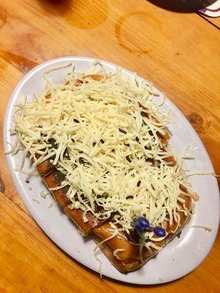 Foto 1 - Makanan(Ropisang Cokju) di Roti Bakar 88 oleh Alfabetdoyanjajan