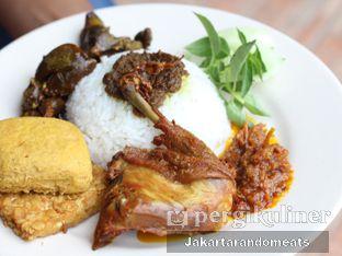 Foto 2 - Makanan di Pak Qomar - Bebek & Ayam Goreng oleh Jakartarandomeats