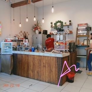 Foto 4 - Interior di Bloom Coffee & Eatery oleh abigail lin