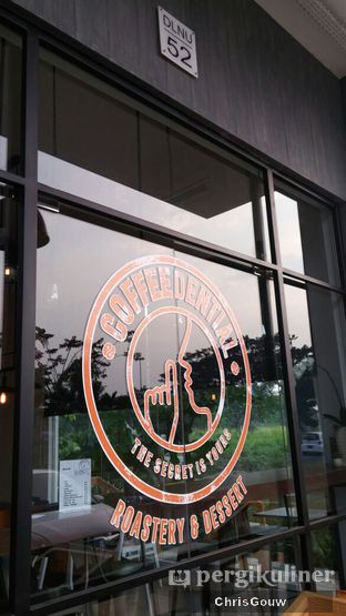 Foto review Coffeedential Roastery & Dessert oleh Chris Gouw 1