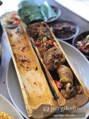 Foto 1 - Makanan di Agneya Terrace oleh feedthecat