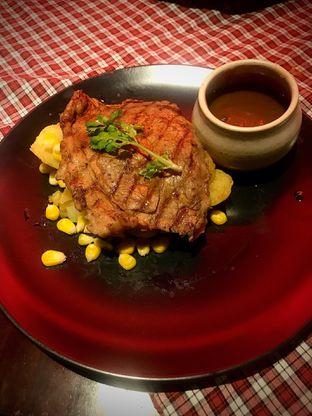 Foto - Makanan(Suis Prime Sirloin Steak) di Suis Butcher oleh Fadhlur Rohman