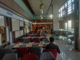 Foto review Asoka Rooftop Restaurant - Aston Kartika Grogol Hotel & Conference Center oleh Yutrisko  5