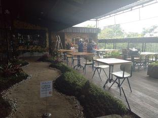 Foto 8 - Interior di ROOFPARK Cafe & Restaurant oleh Namira