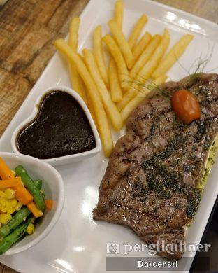 Foto 2 - Makanan di Double U Steak by Chef Widhi oleh Darsehsri Handayani