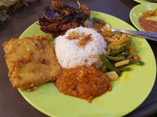 Foto 4 - Makanan di Nasi Uduk Ibu Jum oleh Yuli || IG: @franzeskayuli