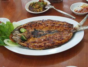 Foto Aroma Dermaga Seafood
