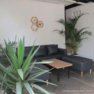 Foto 5 - Interior di Hailee Coffee oleh Kuliner Addict Bandung