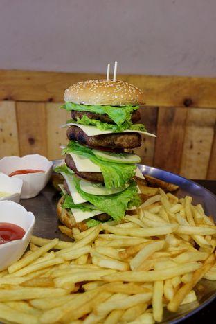 Foto review Dino Burger & Rice Steak oleh Marisa Aryani 1