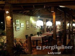 Foto 1 - Interior di Tizi's Cakeshop & Resto oleh Ladyonaf @placetogoandeat