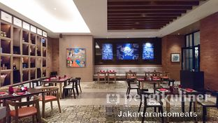 Foto 6 - Interior di Sapori Deli - Fairmont Jakarta oleh Jakartarandomeats