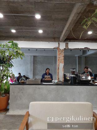 Foto 3 - Interior di Mineral Cafe oleh Selfi Tan