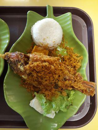 Foto 2 - Makanan di Ayam Kremes Kraton oleh Makan2 TV Food & Travel