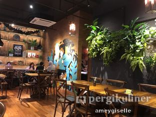 Foto 9 - Interior di Six Ounces Coffee oleh Hungry Mommy