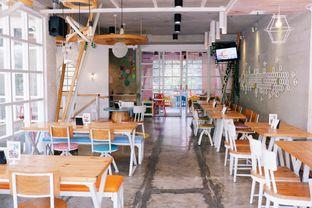 Foto 10 - Interior di Fat Bubble oleh Indra Mulia