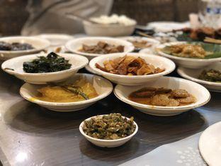 Foto 2 - Makanan di RM Pangeran Khas Minang oleh merrydju