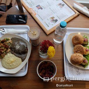 Foto 5 - Makanan di Burgreens Express oleh Darsehsri Handayani