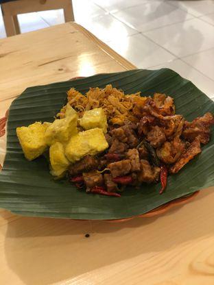Foto 2 - Makanan di Nasi Pedas Bali Made oleh Oswin Liandow