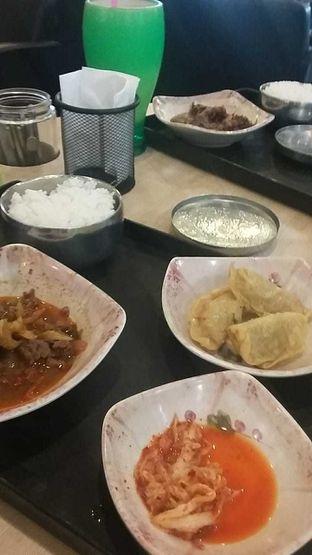 Foto 2 - Makanan(Dosirak 4, dosirak 5) di Mujigae oleh yolandakusumaw